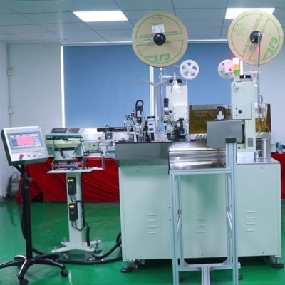 Connector insertion Automatic terminal crimping machine